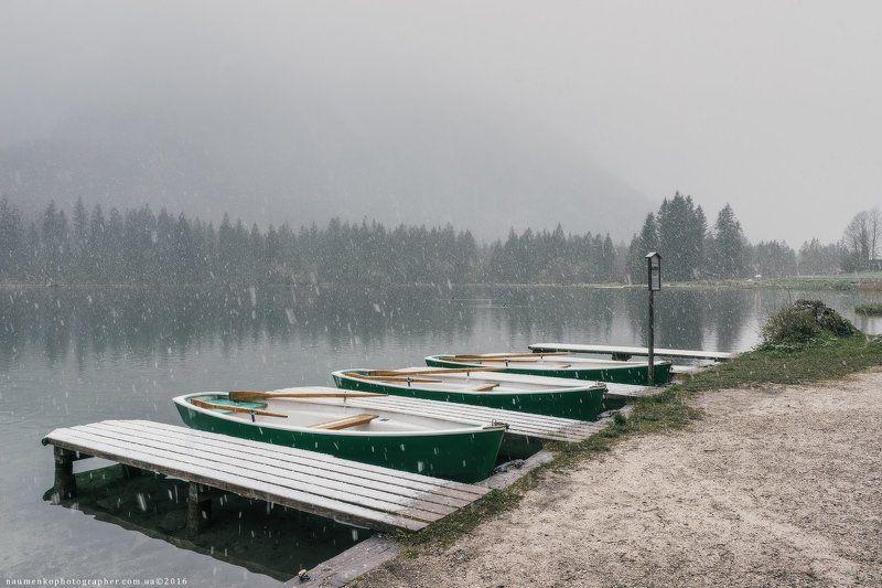 европа,германия,хинтерзее,озеро,осень,бавария,рамзау,путешествия,альпийский,альпы,удивительные,австрия,баварская,красивый,большой,синий,прозрачный,облака,европейский,лес,немецкий,зеленый,остров,земля,пейзаж,величественный Снежное утро в апреле на озере Хинтерзее, Германия.photo preview