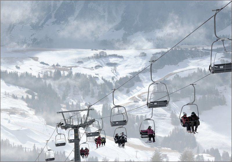 горные лыжи подъёмник Италия села рондо В подвешенном состоянииphoto preview