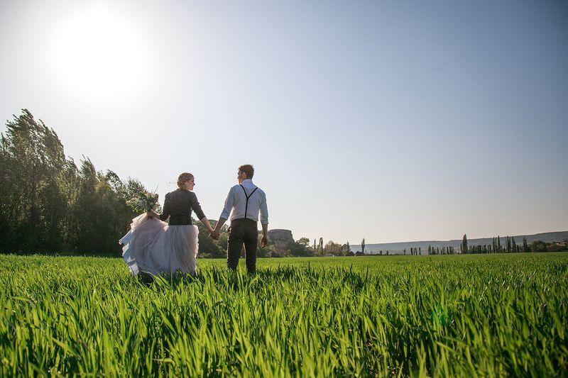 свадьба, крым, свадебный фотограф, любовь, поле, горы, природа, симферополь, бахчисарай,пара, прогулка, весна, фотосессия Дима и Кристинаphoto preview