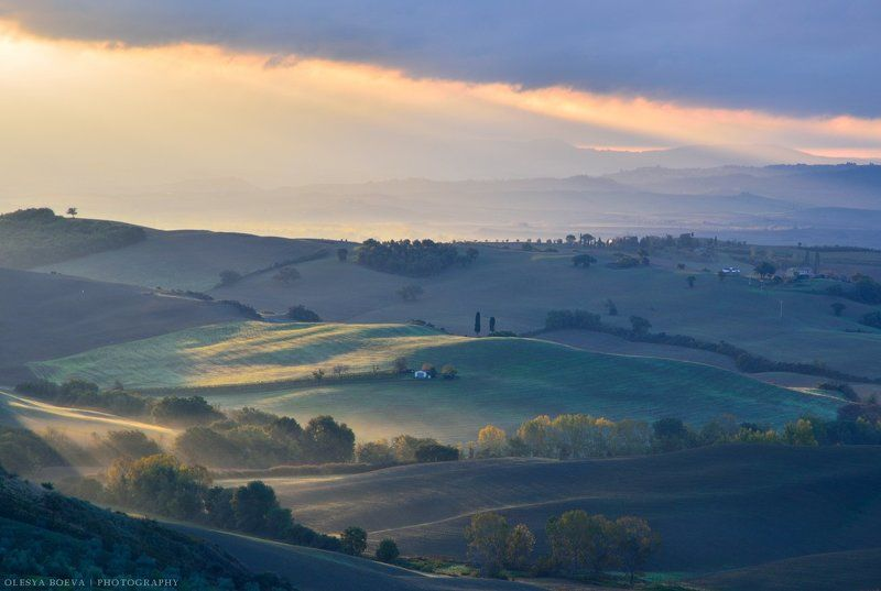 Italy, Tuscany, fields, sunrise Бархатные поля Тосканыphoto preview