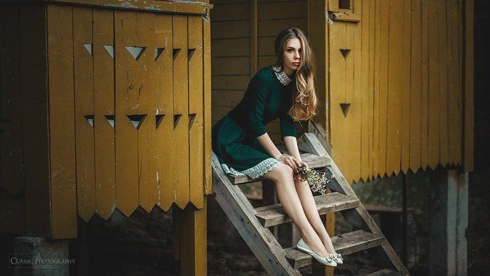 девушка, модель, платье, букет, цветы, грусть, ожидание, зелёный  Waiting for youphoto preview
