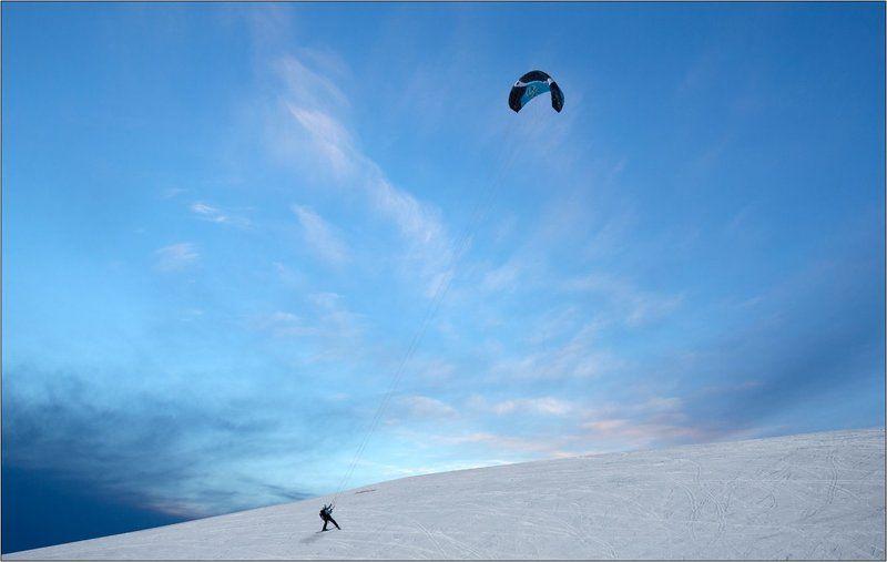 горы, небо, снег, лыжи, парашют, параплан На взлётphoto preview
