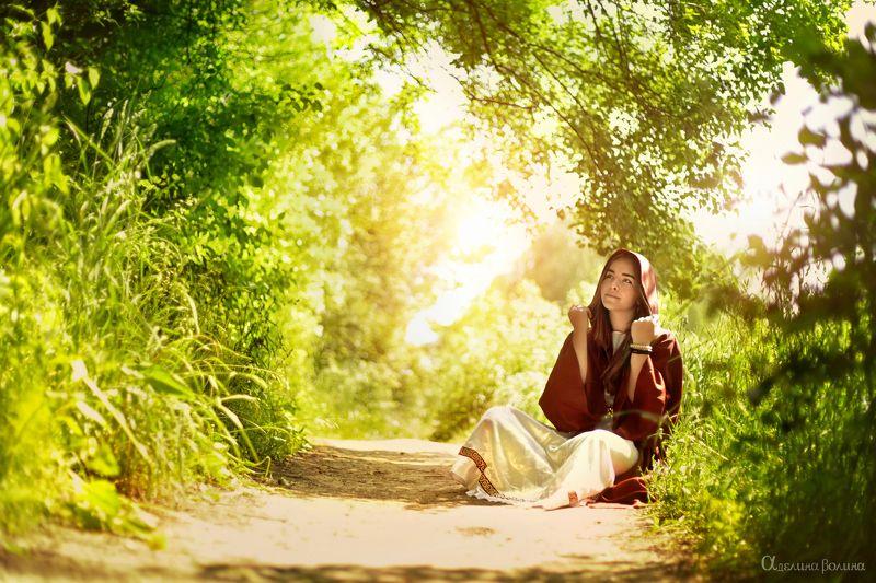 девушка лес любовь свет солнце тьма душа ведьма монах What inside..photo preview