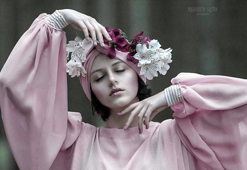mistery, мистика, fairytail, flowers, руки, hand, pink, девушка, сон, маргарита гусева, margarita guseva Mysteryphoto preview