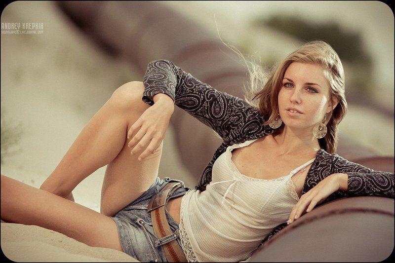 девушка, портрет, песок, трубы Ленаphoto preview