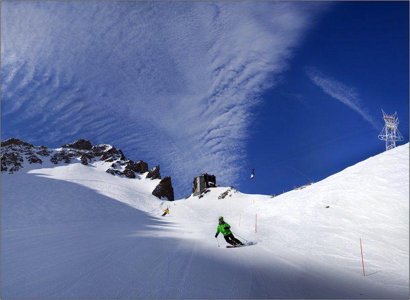 лыжи горы горные лыжи альпы небо облака На небесных трассахphoto preview