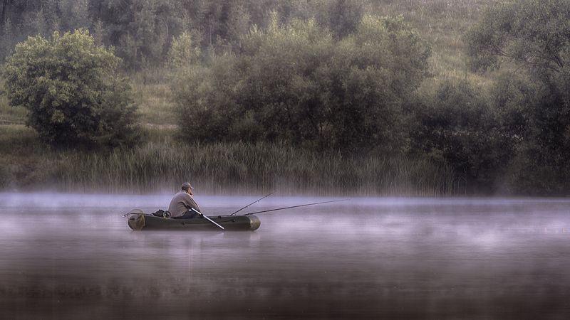 рыбак дрозды утро рассвет лодка туман дымка Ловец дзенphoto preview
