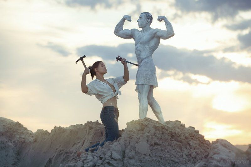 sculptor, sculptress, carver, statue Sculptorphoto preview