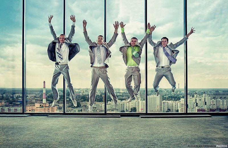 окно, прыжок, небо, жених прыжокphoto preview