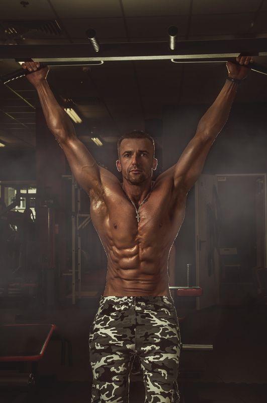 атлет, красивое тело, спорт, мышцы, мужская съемка, спортсмен, тренажеры, тренажерный зал Атлетphoto preview
