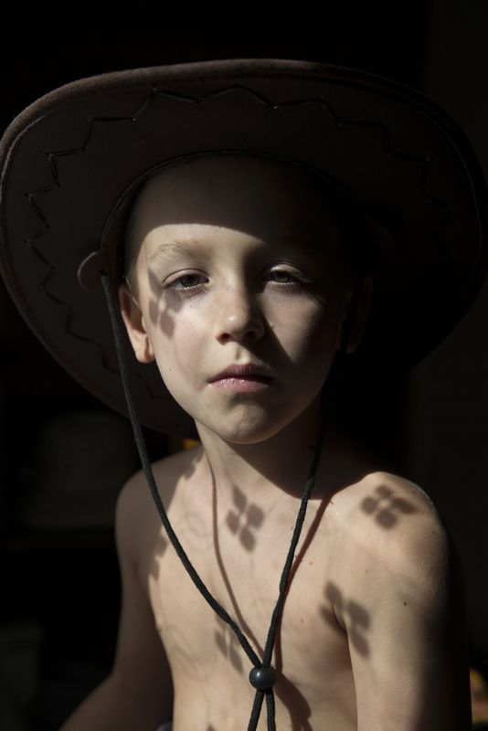портрет, мальчик, фото, фотограф в Полтаве, свет Леонардоphoto preview