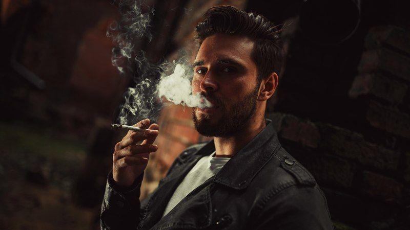 портрет, мужчина, улица, сигарета, черно-белое Gotta light?photo preview