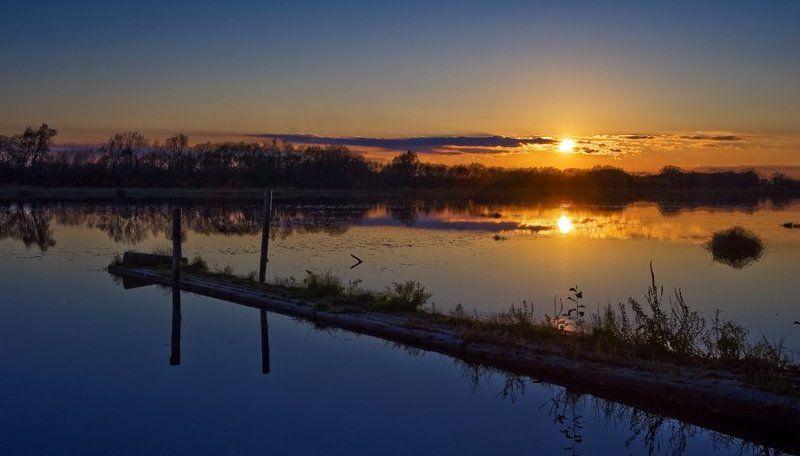 мостик, река, закат, солнце Тихий омутphoto preview