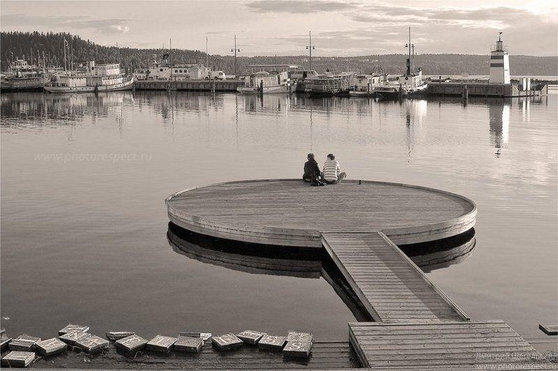 финляндия, лахти, порт, двое, пристань, закат Я все слова оставил позадиphoto preview