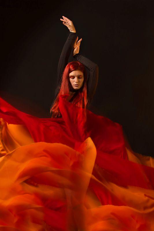 портрет огонь девушка студия Дух огняphoto preview