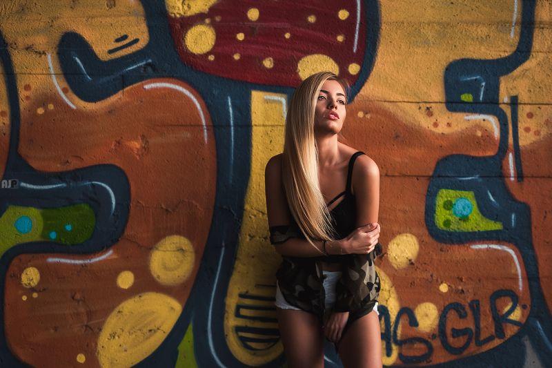 graffiti, beautiful, blonde, model Greffitiphoto preview