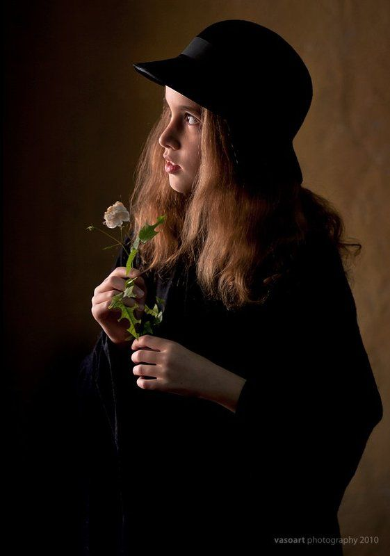 retro, girl, young, vintage, portrait Lonely flowerphoto preview