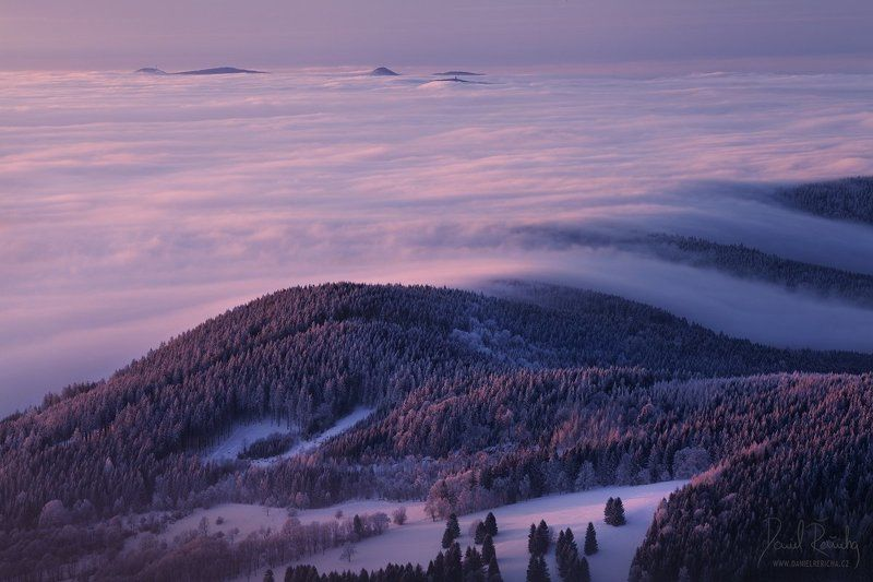 Czech republic, North Bohemia, Bohemia, Czech, Lusatian Mountains, Tschechische republik, Europe, daniel rericha, nature, mist, fog, forest, tree, trees, inversions, waves, clouds, mountains, winter, winter mountains, winter colors, snow, frost, long expo Last light over inversionsphoto preview