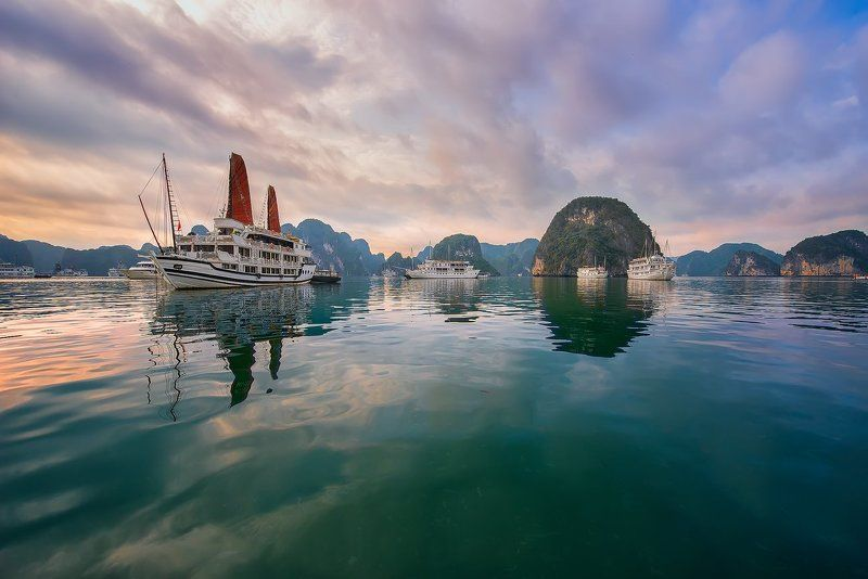 халонг,вьетнам,путешествие,пейзаж,морской,рассвет,halong bay,vietnam,travel,seascape,asia, Залив Халонг.photo preview