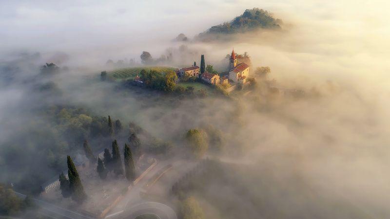 италия утро дрон туман Итальянская сказкаphoto preview