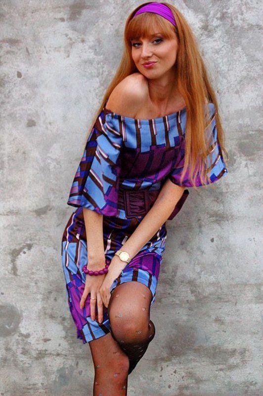 девушка, юля, стена, платье Юляphoto preview
