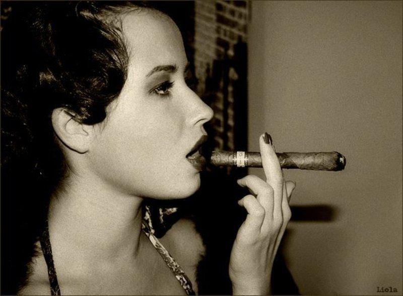 girl...sigara...photo preview