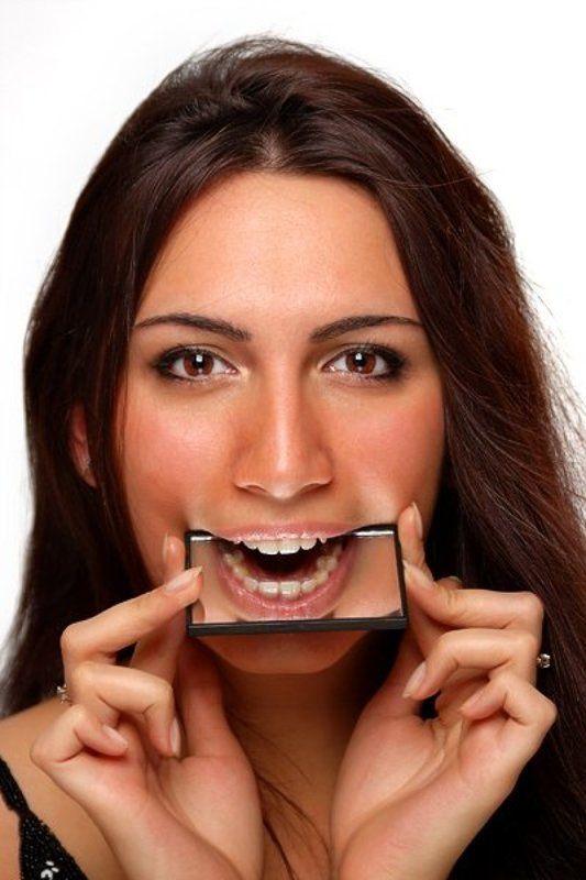 настя, девушка, студия, губы, зеркало А-а-ам!photo preview