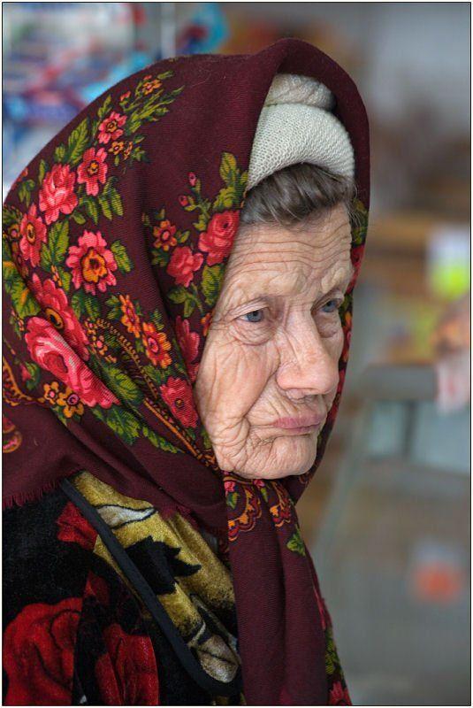 портрет, женщина, деревня В сельском магазине. Из серии \