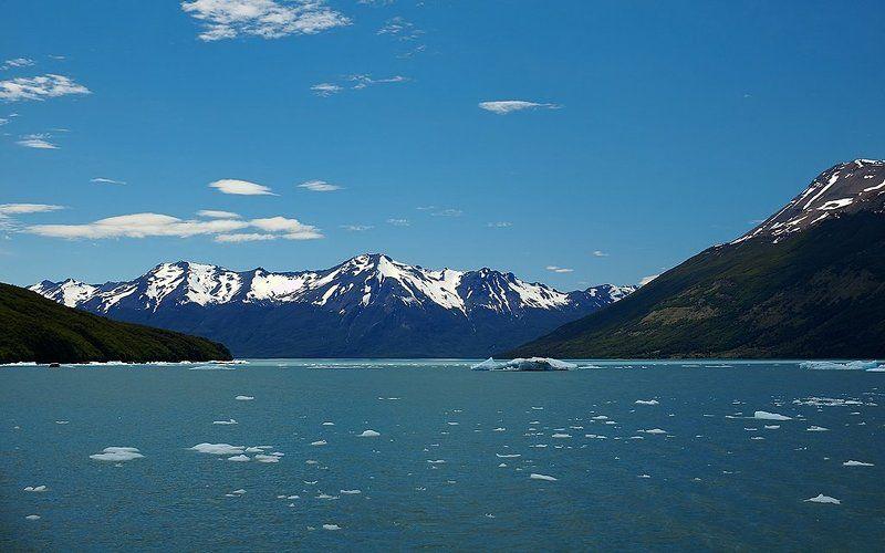 ледник, айсберг, озеро Когда облака разбиваются в Лёдphoto preview