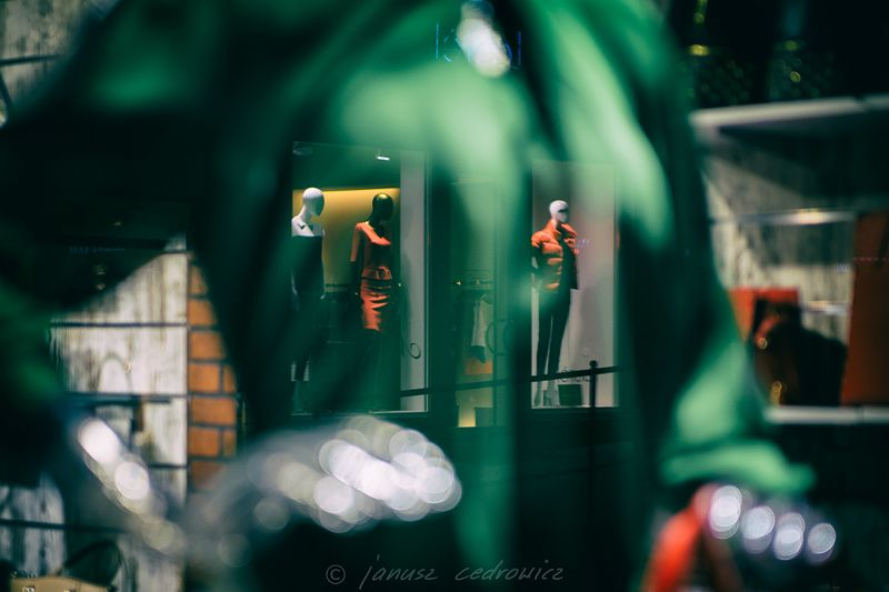 czech, karlovyvary, shop, model, fashion, window, display, shopping, manekin, ...photo preview