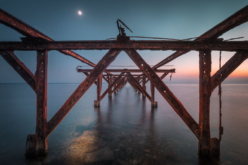 пляж, закат, старый пирс, черне море, луна, лунный свет, *В лунном свете*photo preview