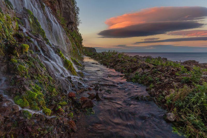 остров, итуруп, курильский архипелаг, охотское море, сахалинская область, курилы, водопад Стена водопадовphoto preview
