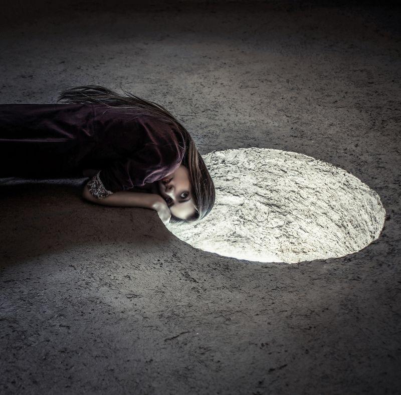 conceptual, natural-light, dark, concept, Malaguenaphoto preview