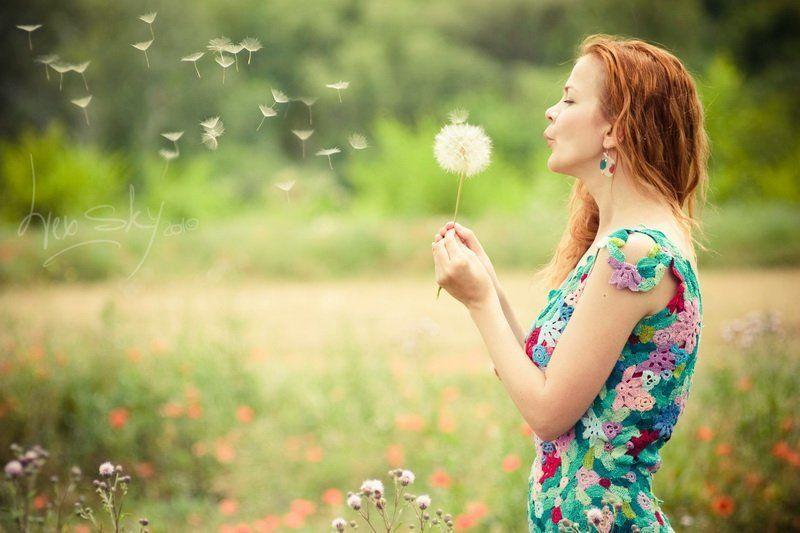 девушка, маки, поле, одуванчик Одуванчик желанийphoto preview