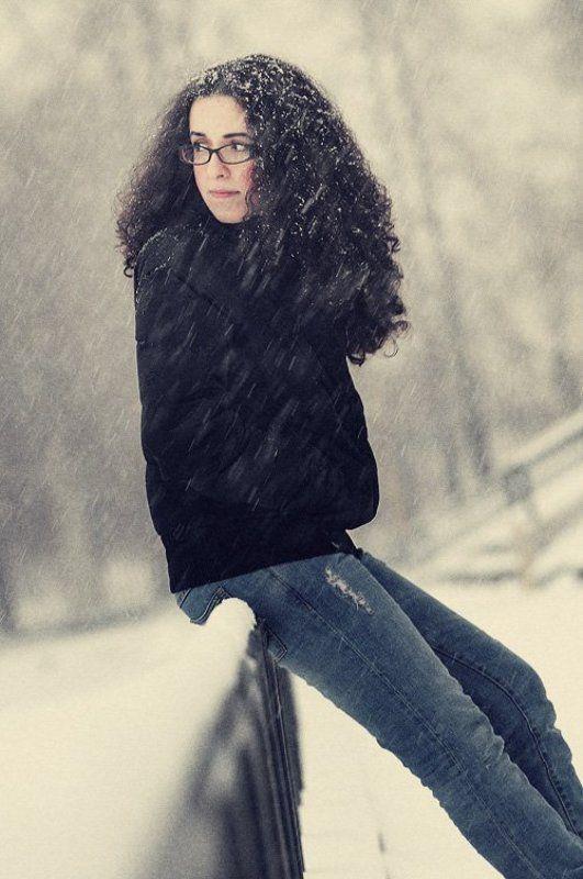 когда волосы в снежинкахphoto preview