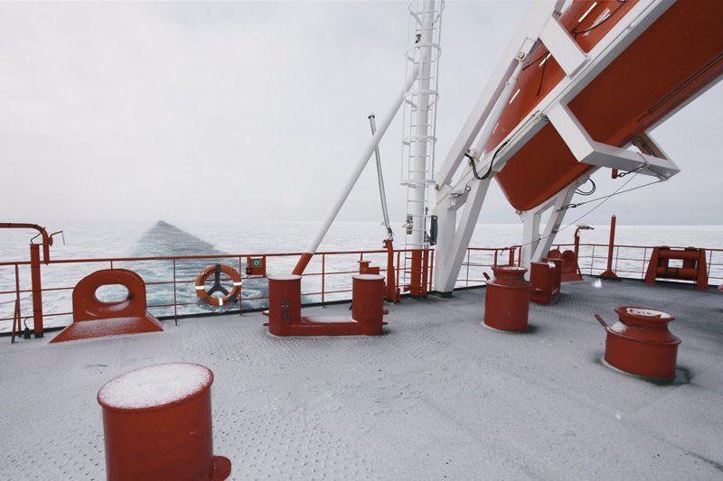 надежда, карское море, палуба, льды Красное на Беломphoto preview