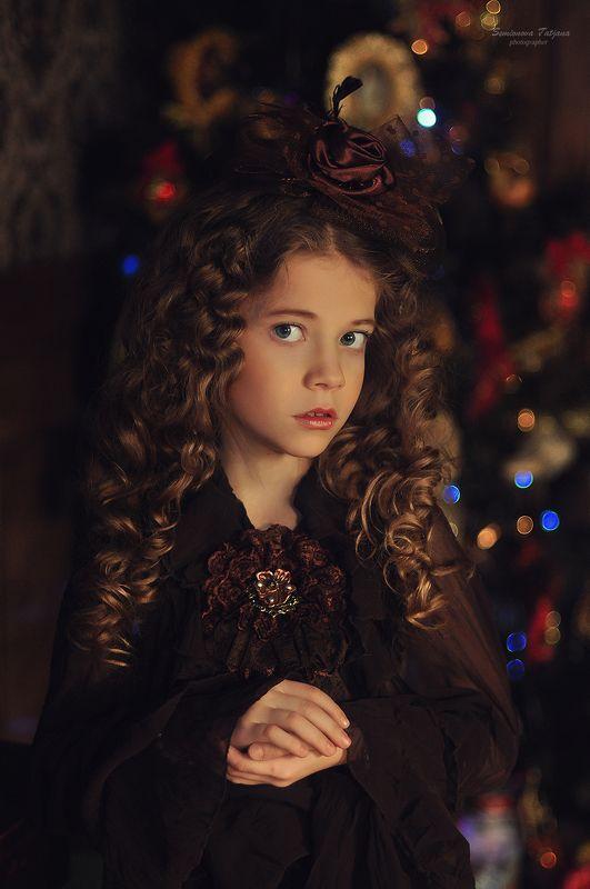 ретро, новый год, коричневый, елка, рождество, девочка, красавица, модель  Новогодний ретро-образ photo preview