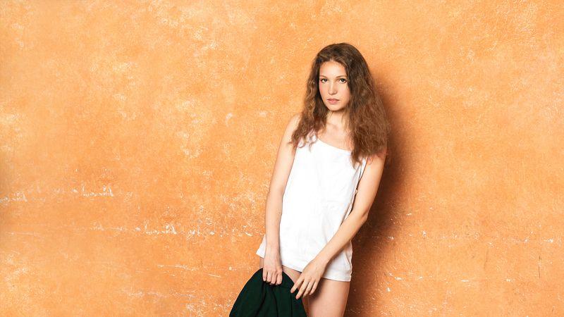 Девушка, красотка, студия, постановка, стена Аленкаphoto preview