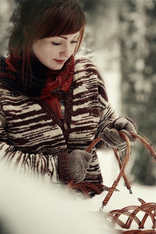 уходя, осень взяла с собой корзину снега...photo preview