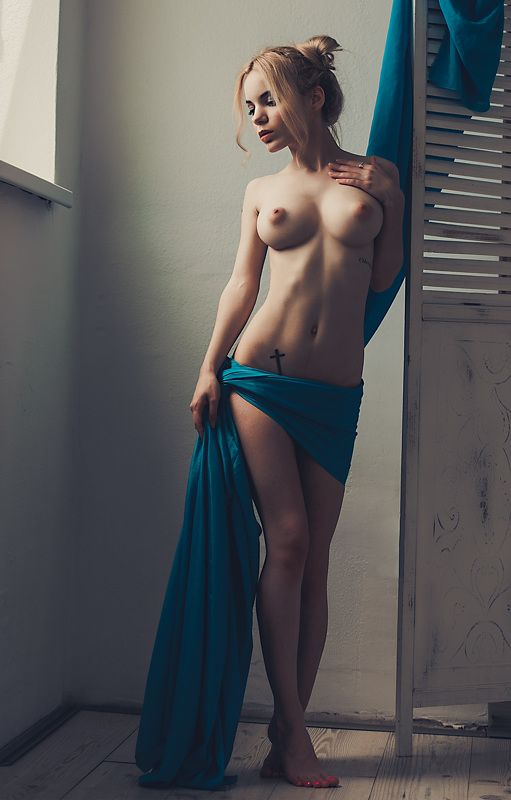 nude Nadia at the windowphoto preview