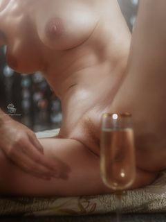 За бокалом вина...