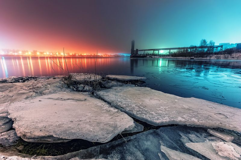Рыбинск, зима, лед, река, Волга, свет, небо, город Два мираphoto preview