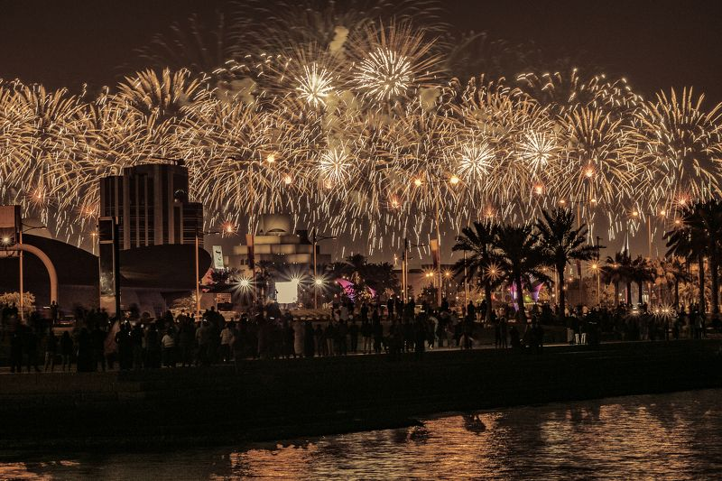 #doha #qatar #nationalday #downtown #Fireworks #light_shot #night #landscape #seascape #midnight #d #500px #500pxphoto #35awards #city #Show #shades #view #beautiful #me #happy #enjoy #life #iphone #pictures #december #happy Qatar National Day photo preview