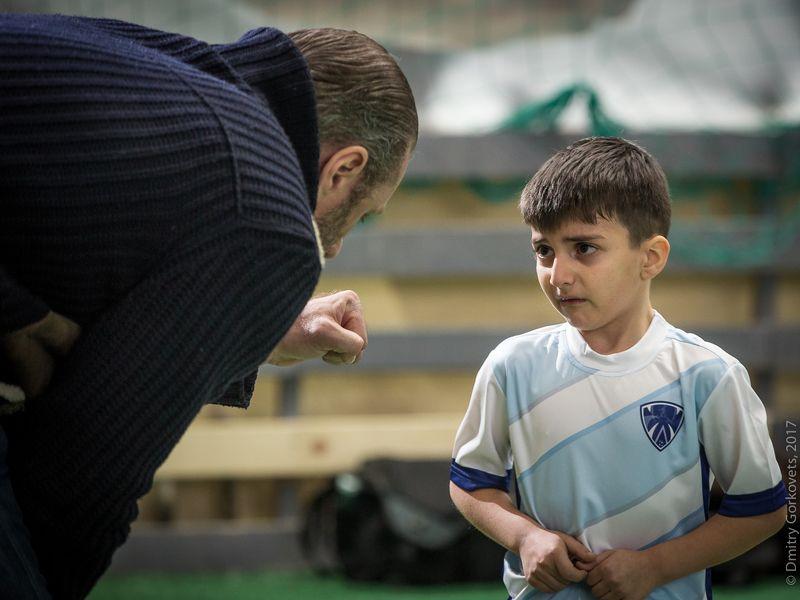 #photobydmitrygorkovets #footyclub #footy #football #kidssport #portrait #kidsportrait Coach. Тренер.photo preview