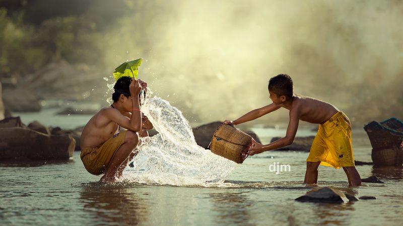 Thai,Thailand,Children,creek,nature,portrait,friends,water,life,lifestyle, Cold feelingphoto preview