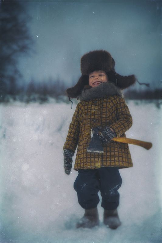 падал прошлогодний снегphoto preview