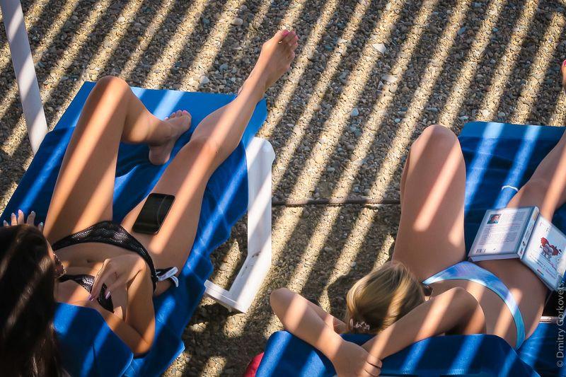 #beach #bikini #girls #sea #blacksea #summer #PhotoByDmitryGorkovets #лето #пляж #черноеморе ... в полосатых купальниках.)photo preview