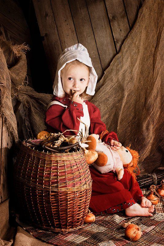 девочка,корзина,лук,сказка Золушкаphoto preview
