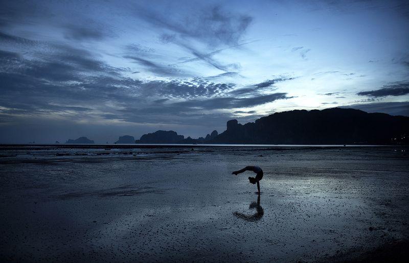 гимнастка, спортзал, море, таиланд, краби Идеальный спортзал...photo preview