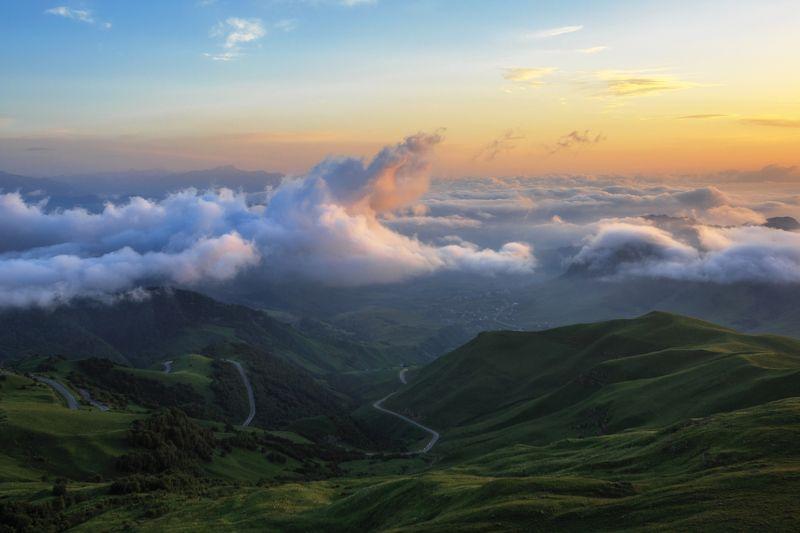 карачаево-черкесия ,кчр ,горы.перевал  гум-баши,верхняя мара.закат , вечер,облака Выше облаков ...photo preview